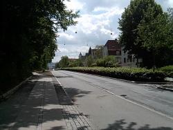 En gata mot parken till