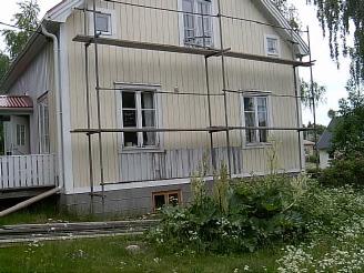 Huset med byggnadsställning